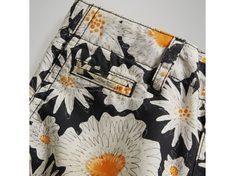 Daisy Print Cotton Chino Shorts in Black - Boy | Burberry United Kingdom - cell image 1