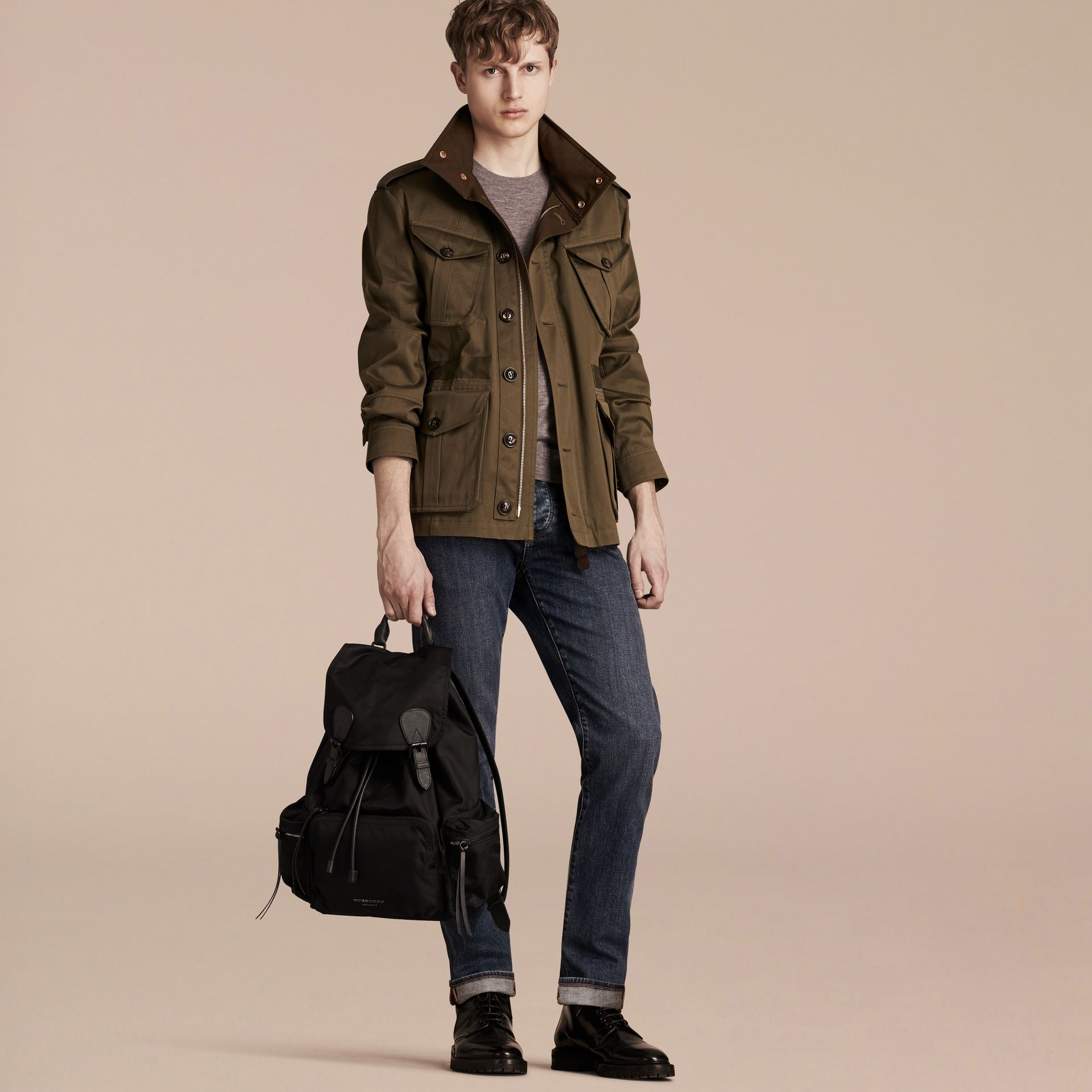 Grand sac The Rucksack en nylon technique et cuir (Noir) - Homme | Burberry Canada - photo de la galerie 2