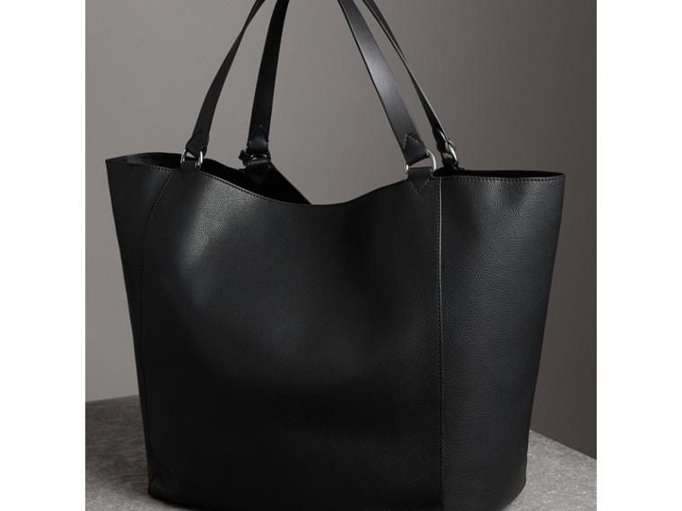 Grand sac tote en cuir contrecollé (Noir) | Burberry Canada - cell image 4