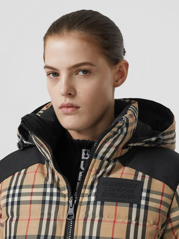 Reversible Vintage Check Recycled Polyester Jacket in Archive Beige - Women | Burberry - cell image 1