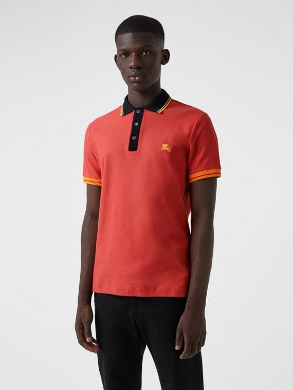 Poloshirt aus Baumwollpiqué mit Streifen (Helles Rostrot)