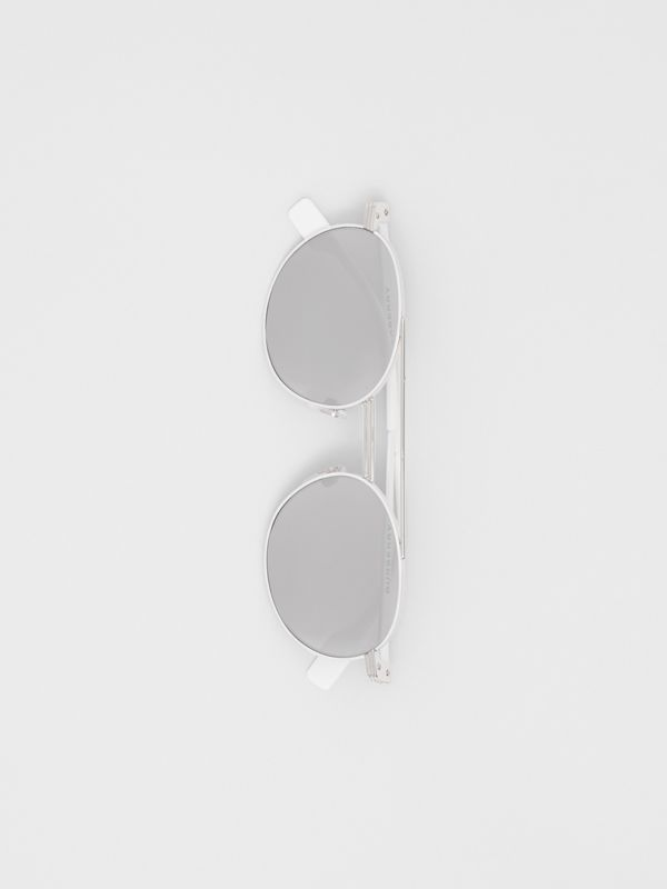 Top Bar Detail Round Frame Sunglasses in Silver - Men | Burberry Hong Kong - cell image 3