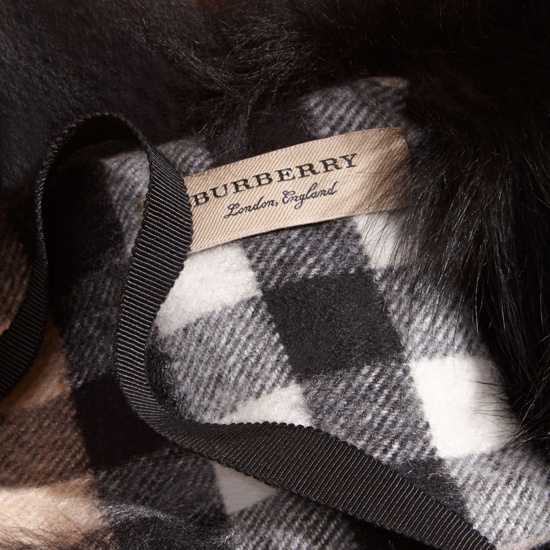 Fox Fur Collar with Check Cashmere Lining Black/camel - gallery image 2