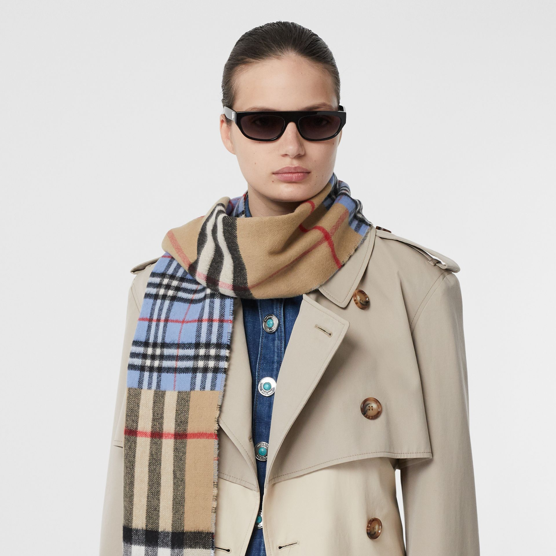 Contrast Check Cashmere Merino Wool Jacquard Scarf in Opal Blue | Burberry - gallery image 2