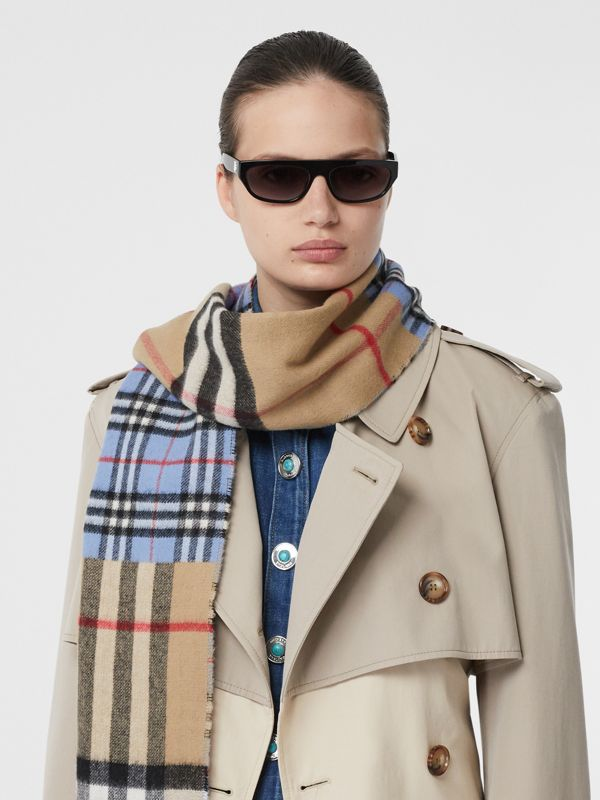 Contrast Check Cashmere Merino Wool Jacquard Scarf in Opal Blue | Burberry - cell image 2