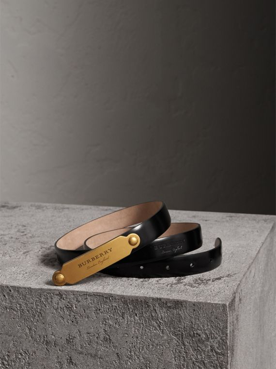 Plaque Buckle Leather Belt in Black