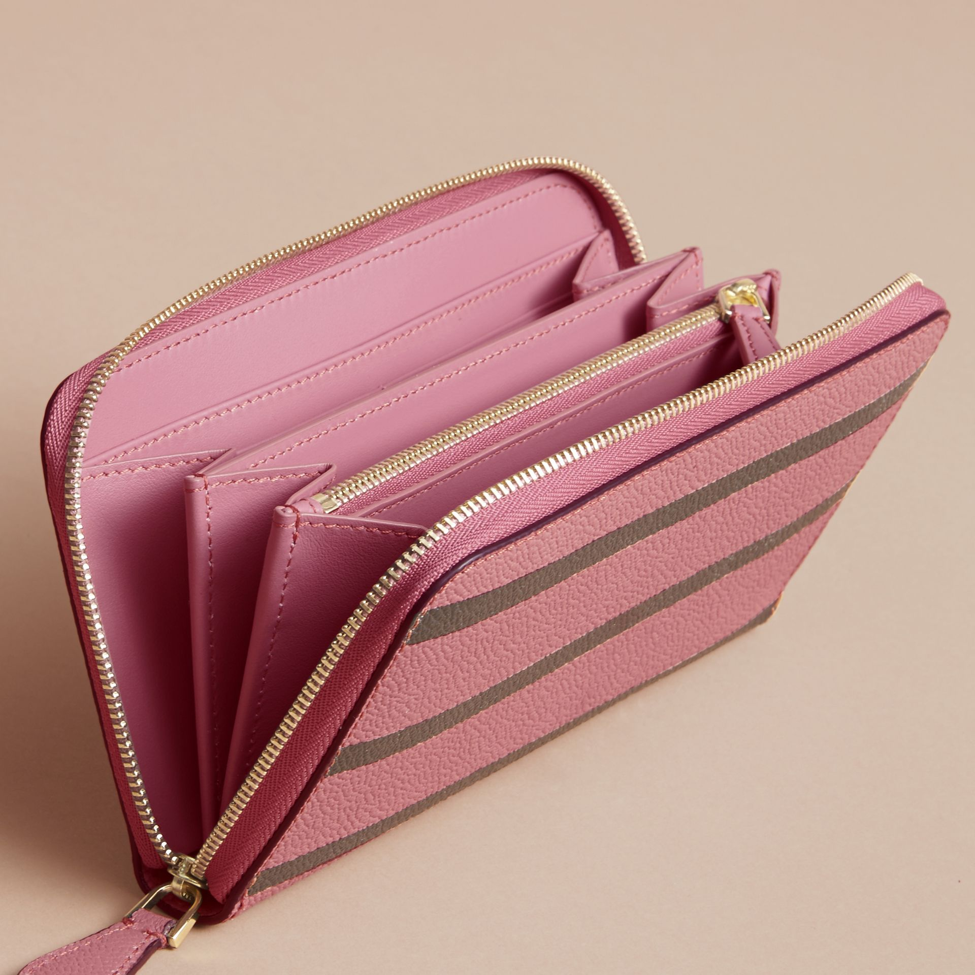 Trompe L'oeil Print Leather Ziparound Wallet in Dusty Pink - Women | Burberry - gallery image 8