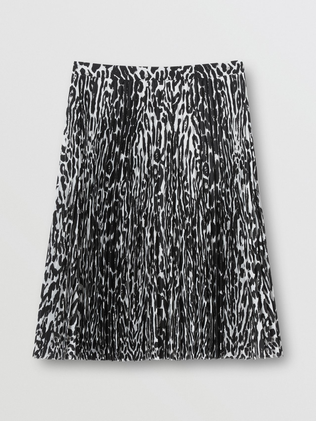 Leopard Print Pleated Skirt in Black