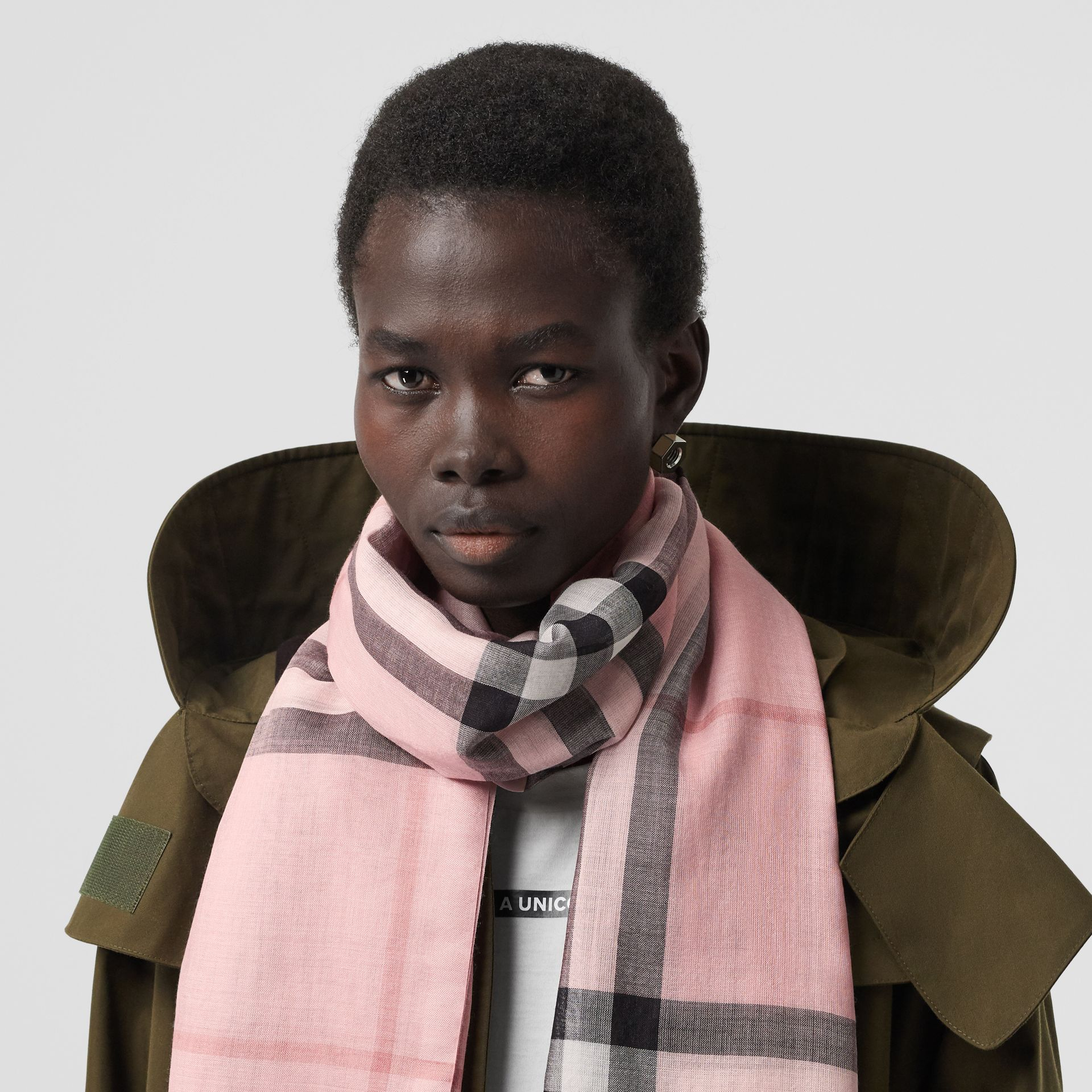 Lightweight Check Wool and Silk Scarf in Ash Rose | Burberry Australia - gallery image 2