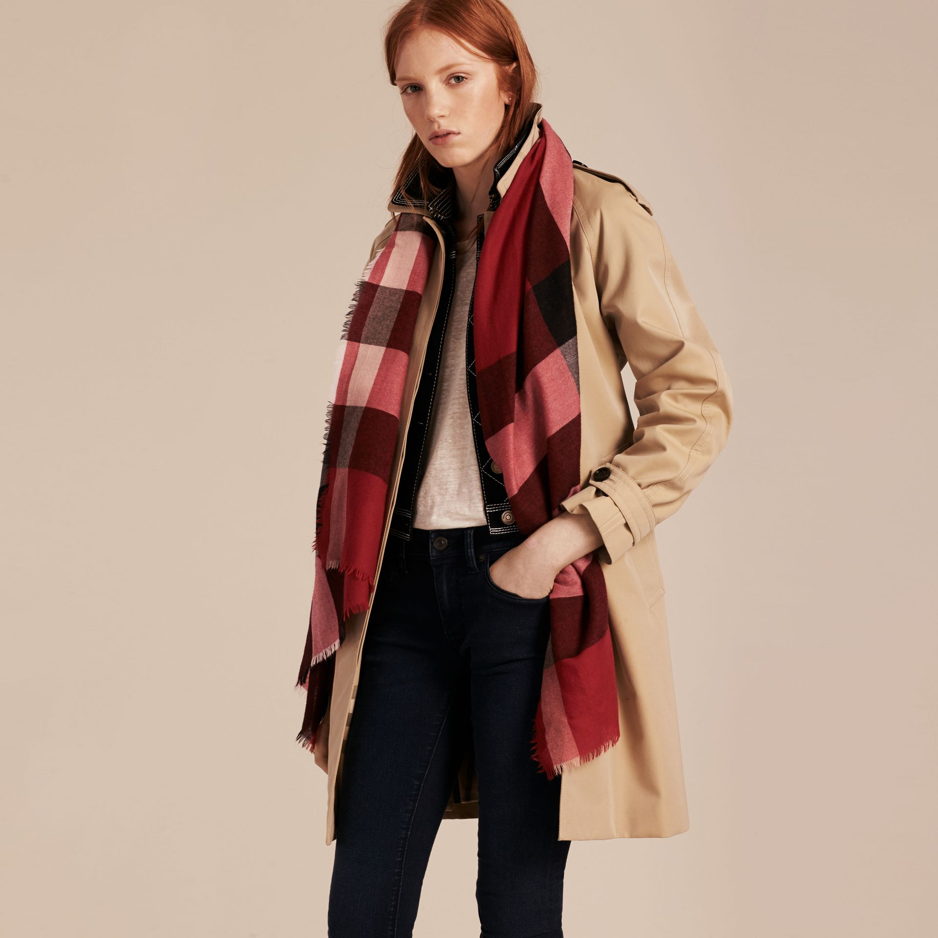 Parade red The Lightweight Cashmere Scarf in Check Parade Red - gallery image 3