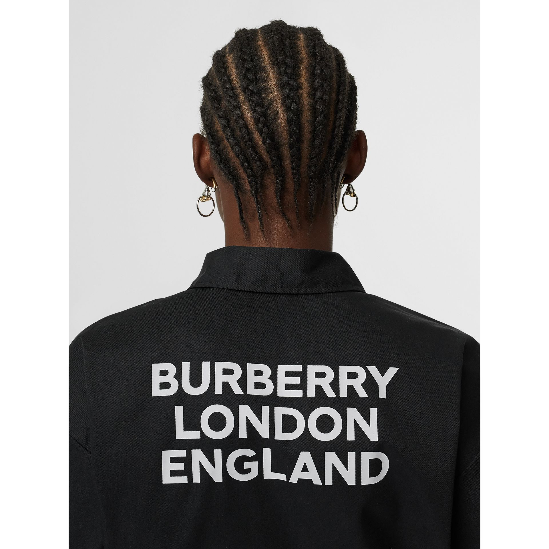 Short-sleeve Union Jack Print Cotton Oversized Shirt in Black - Women | Burberry - gallery image 4