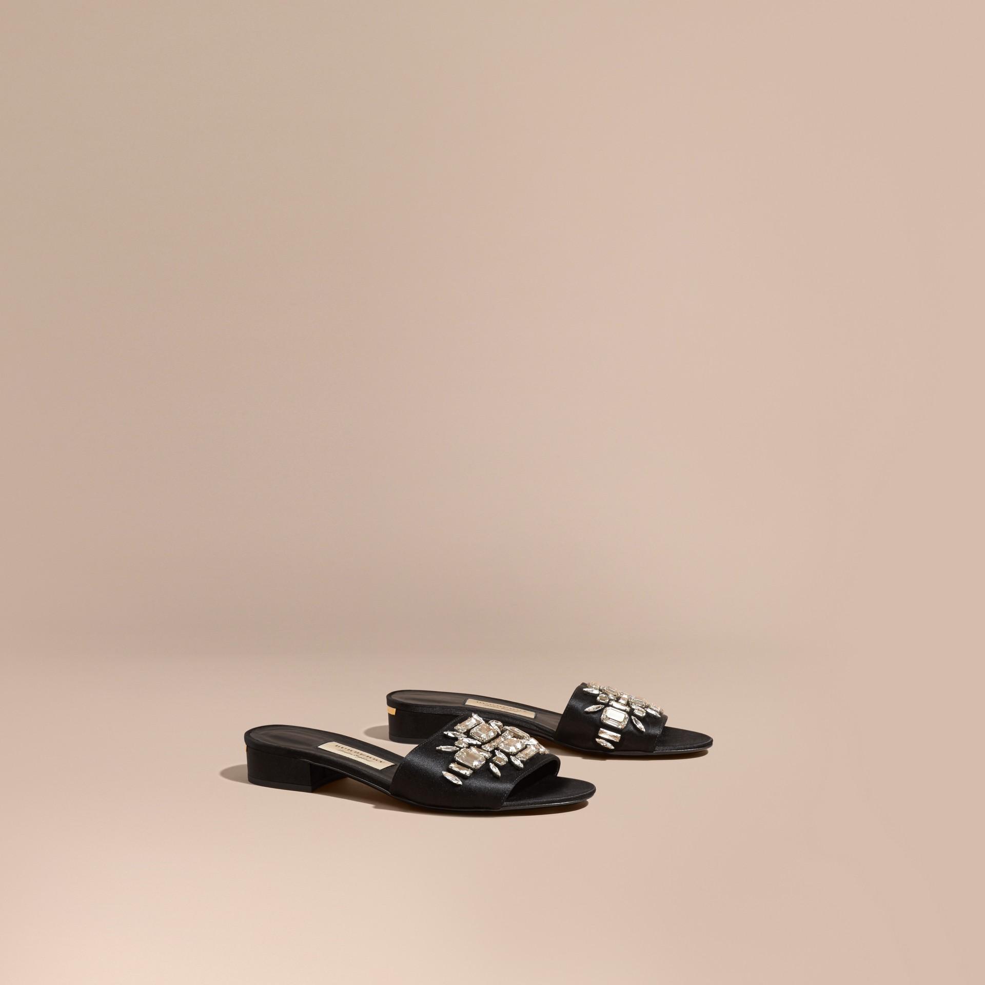 Schwarz Sandalen im Slipper-Design mit Schmucksteinen - Galerie-Bild 1