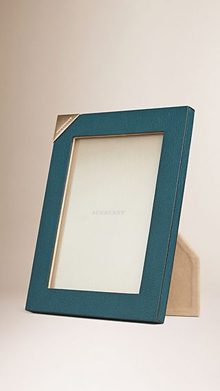 Medium Grainy Leather Picture Frame