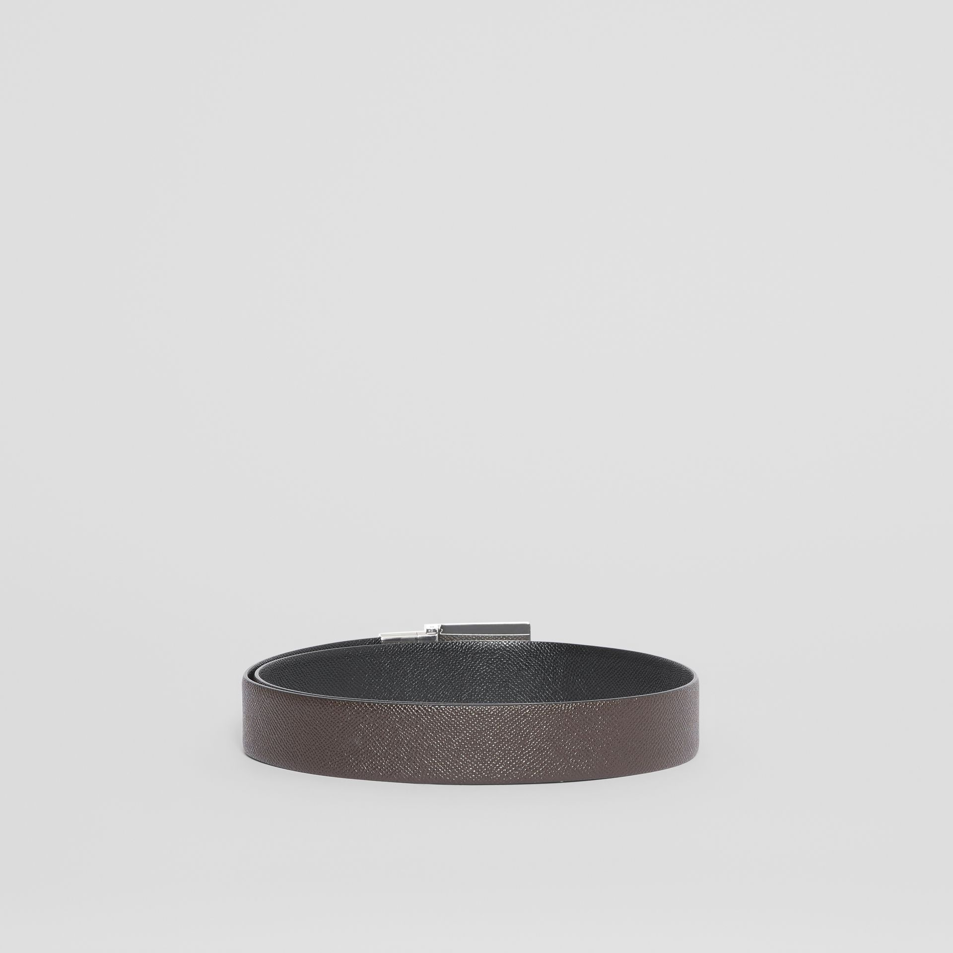 Reversible Plaque Buckle Grainy Leather Belt in Chocolate/black - Men | Burberry Singapore - gallery image 4