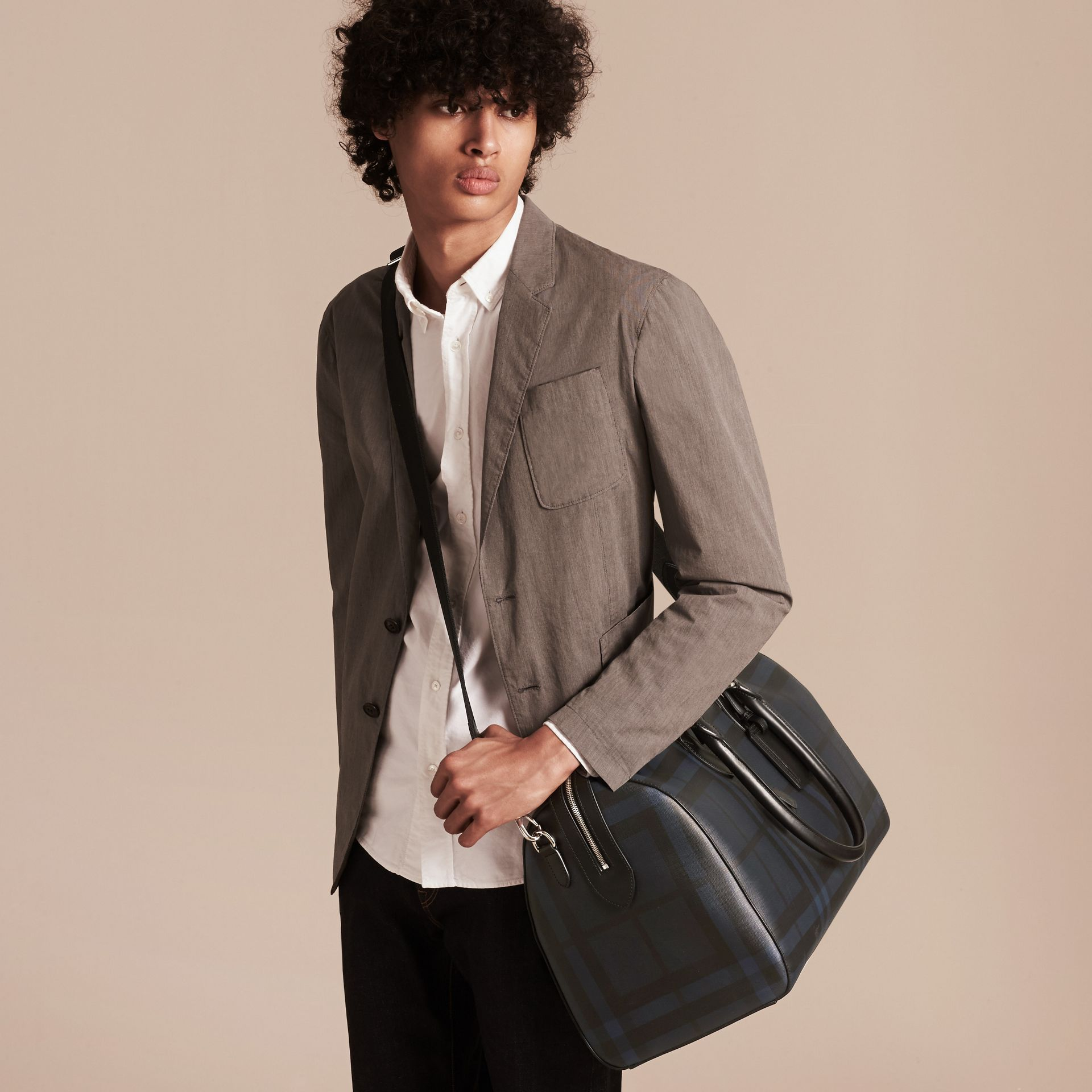 Leather Trim London Check Holdall Navy/black - gallery image 4