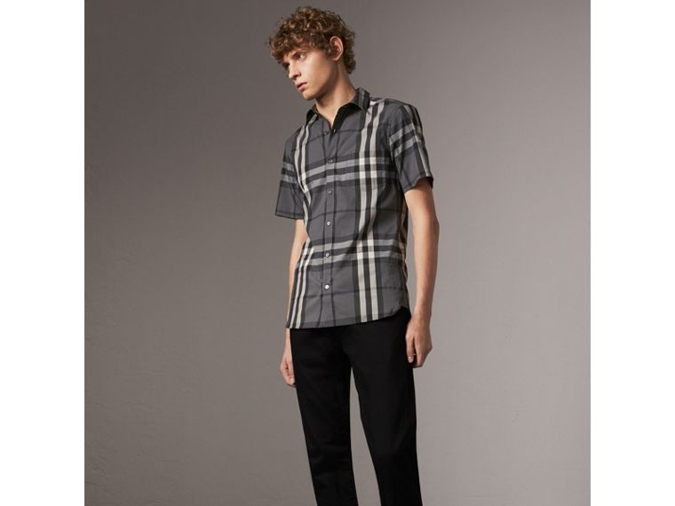 Short-sleeved Check Stretch Cotton Shirt in Charcoal - Men | Burberry Singapore - cell image 4