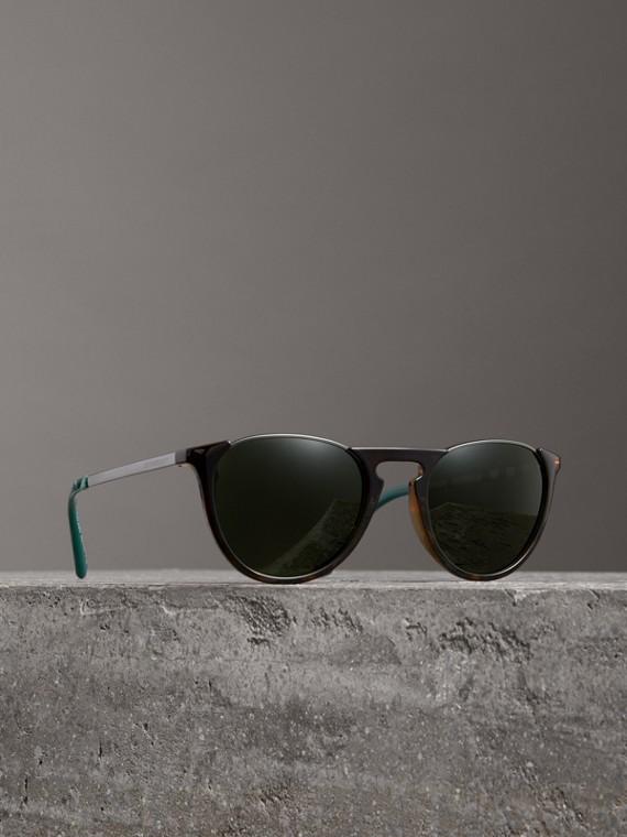 Keyhole Pilot Round Frame Sunglasses in Tortoise Shell
