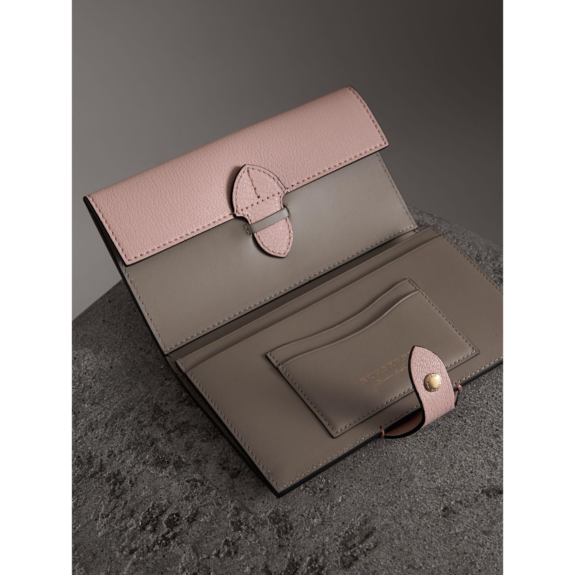 Equestrian Shield Two-tone Leather Continental Wallet in Pale Ash Rose - Women | Burberry United Kingdom - gallery image 3