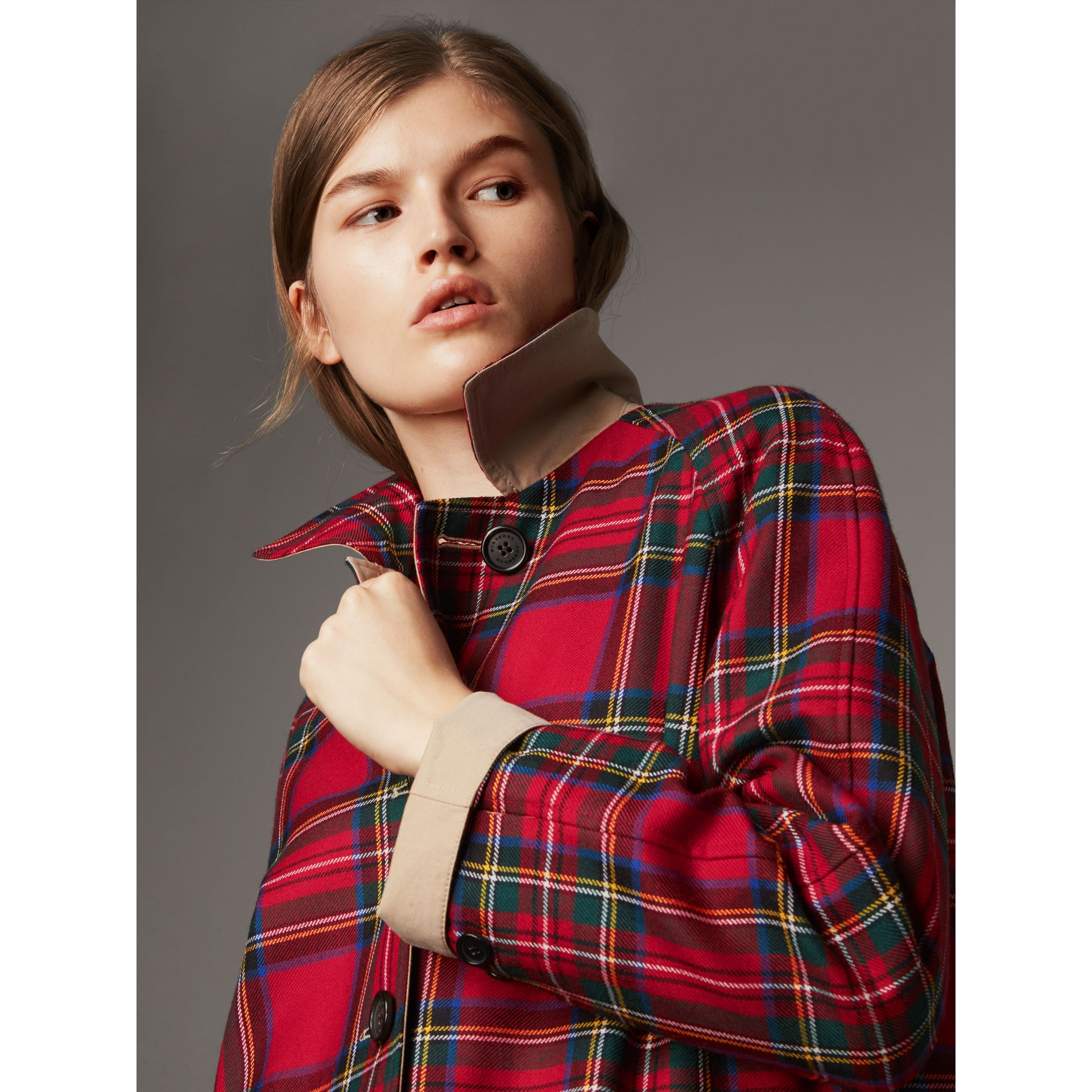 Reversible Gabardine and Tartan Wool Car Coat in Honey - Women | Burberry Australia - gallery image 4