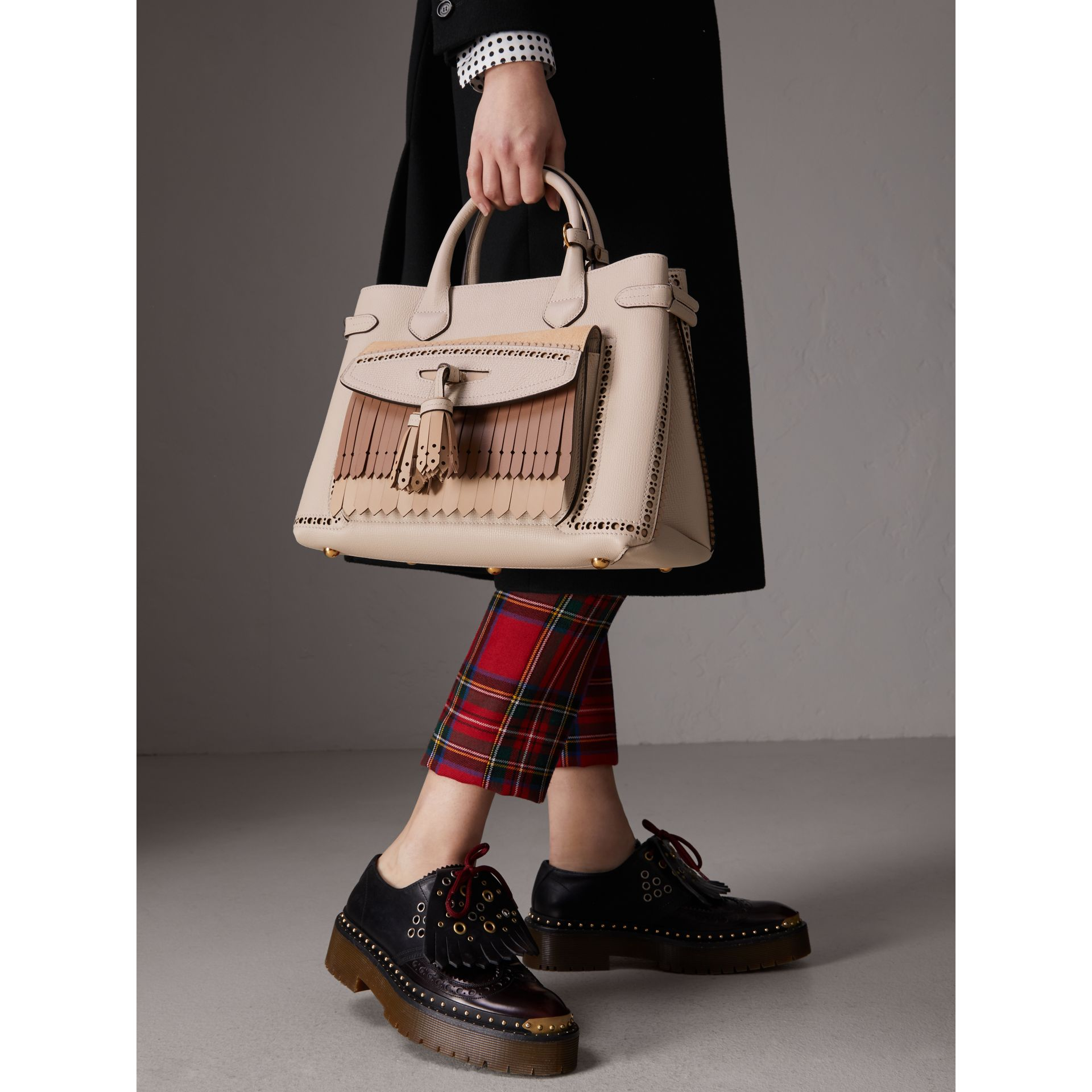 The Medium Banner in Leather with Fringed Pocket in Limestone - Women | Burberry Australia - gallery image 3