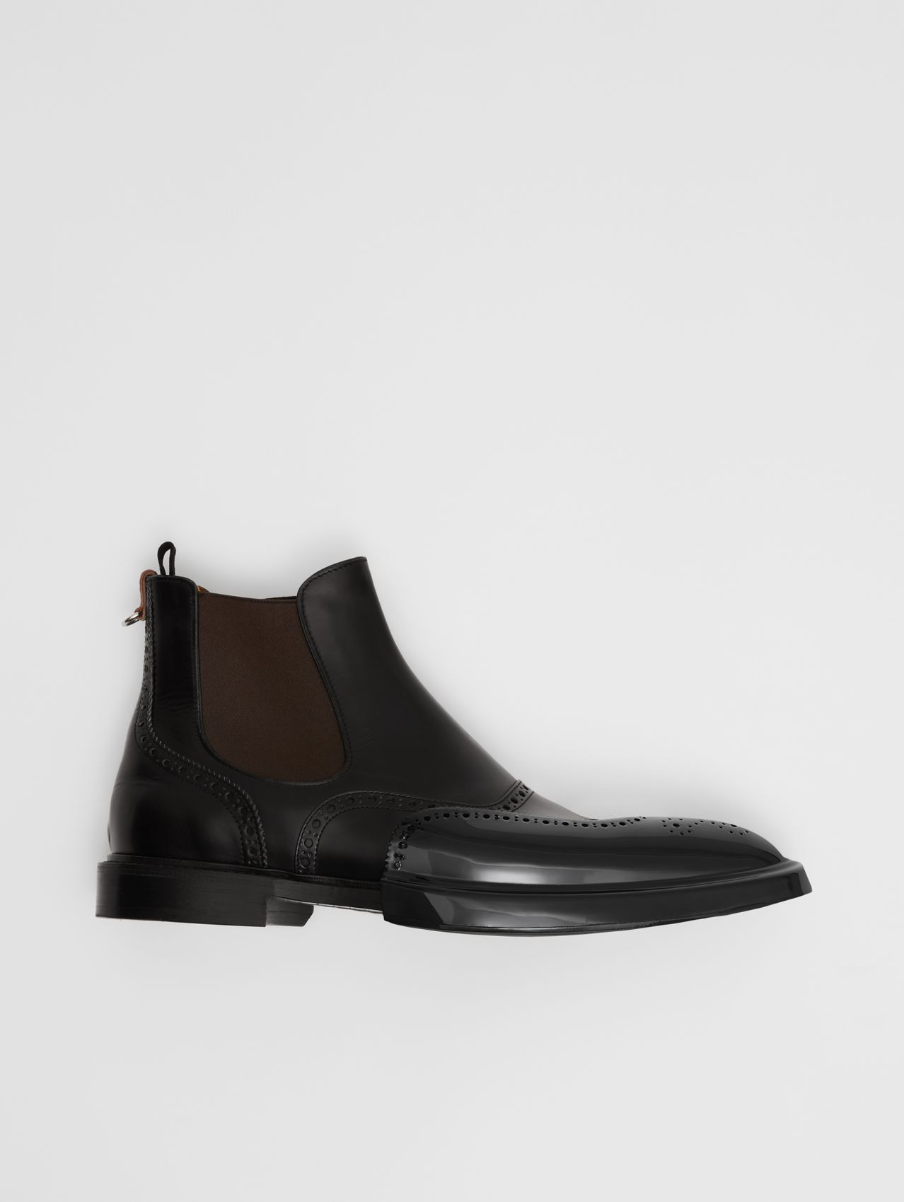 Toe Cap Detail Leather Chelsea Boots in Black