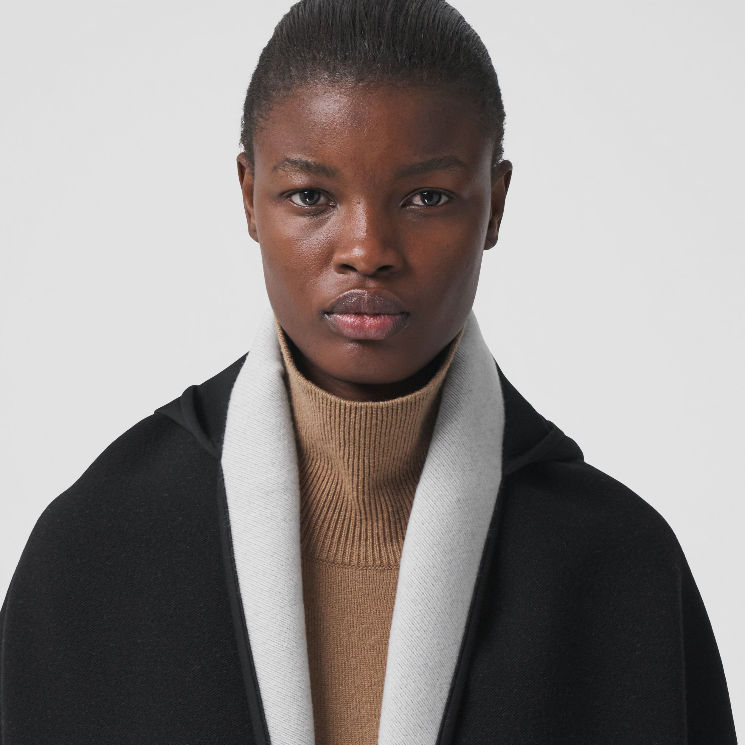 Crystal Globe Graphic Wool Silk Hooded Cape in Black/white - Women | Burberry Singapore - 2