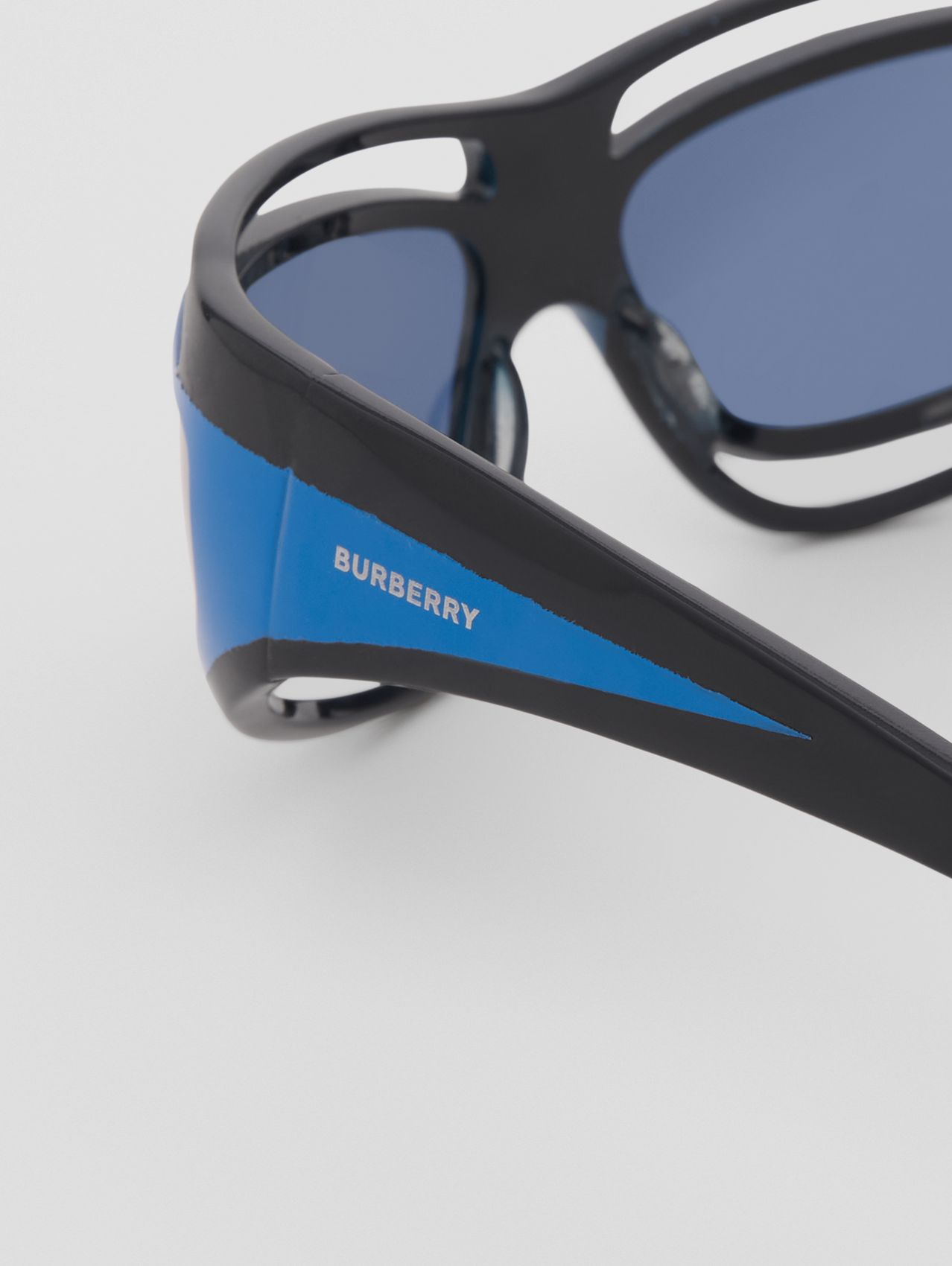 Eliot Shield Sunglasses in Bright Blue