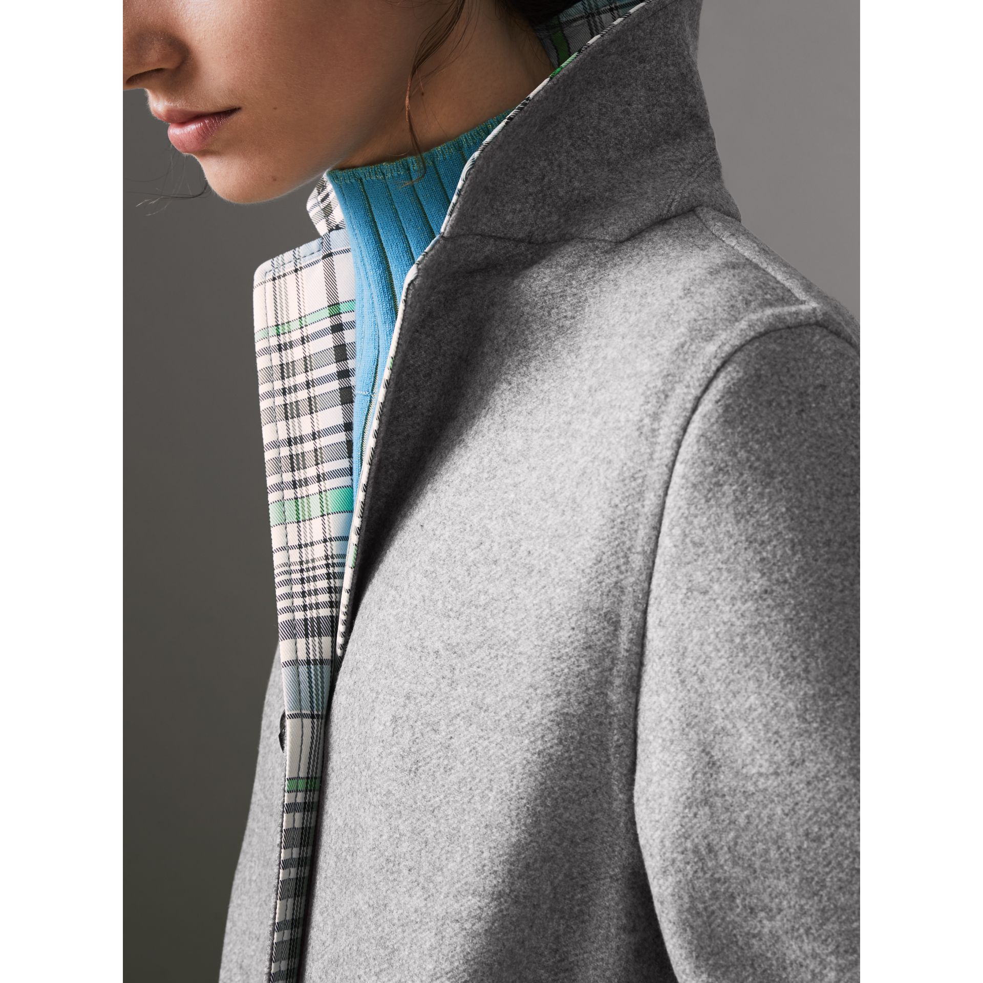 Check Collar Cashmere Coat in Pale Grey Melange - Women | Burberry - gallery image 4