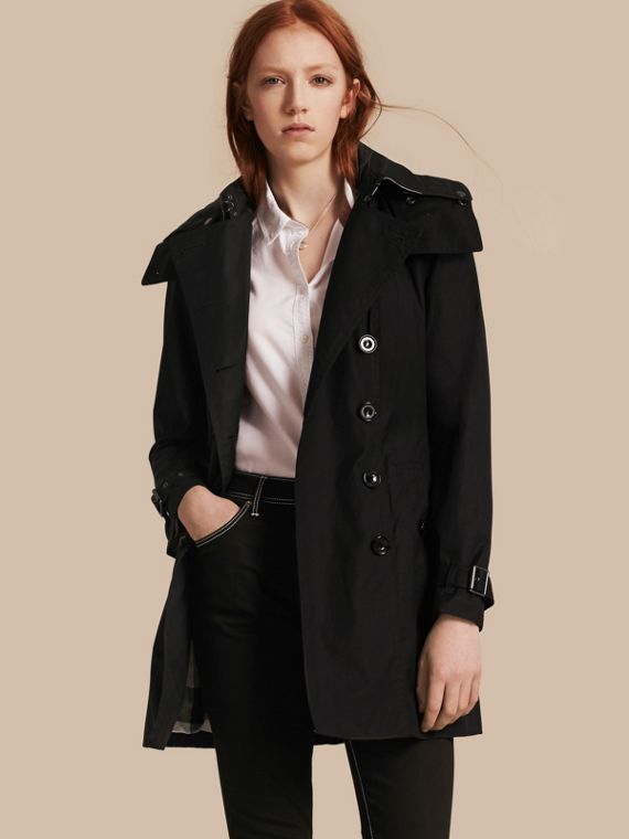 Trench coat com capuz e warmer Preto