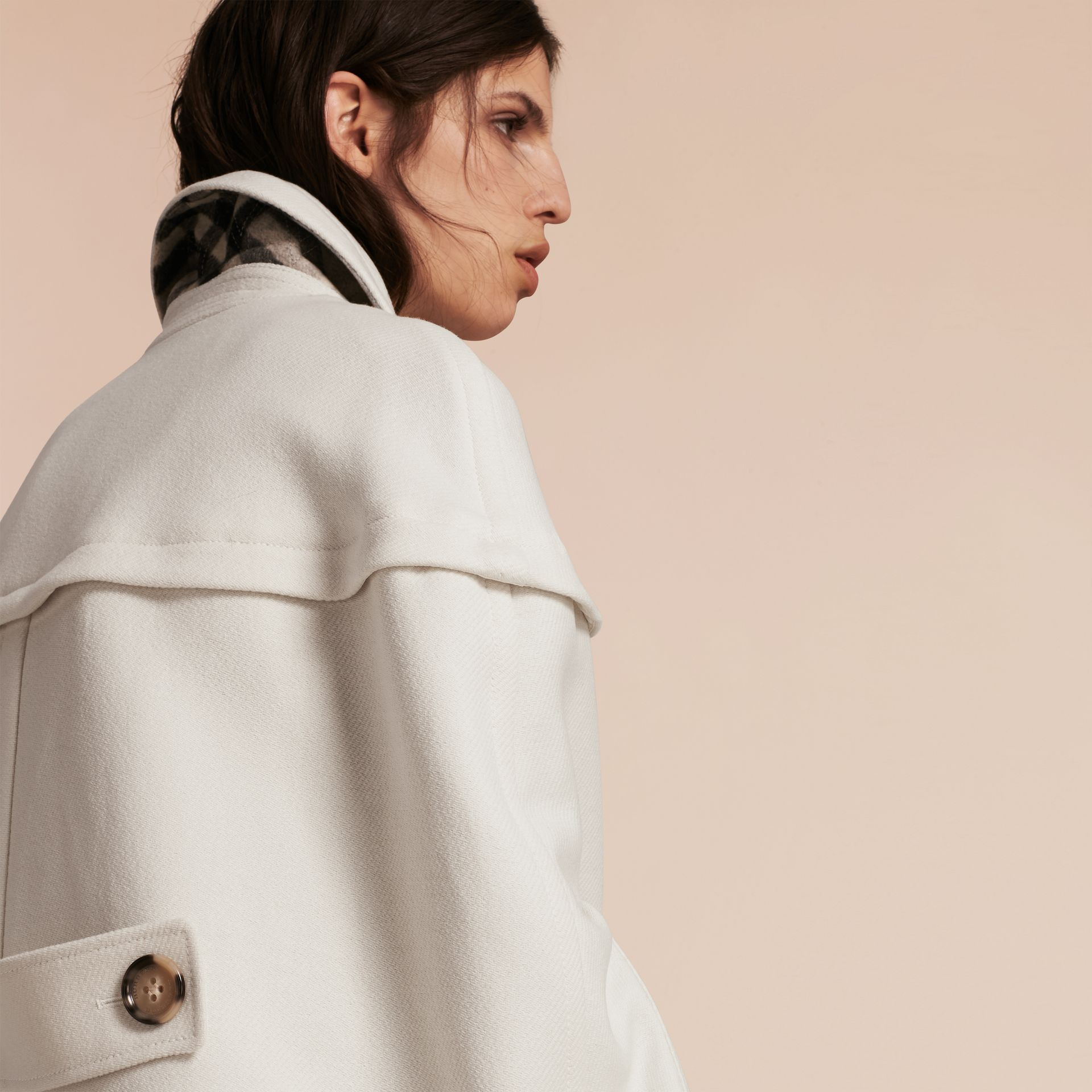 Blanc naturel Cape style duffle-coat en laine et cachemire Blanc Naturel - photo de la galerie 6