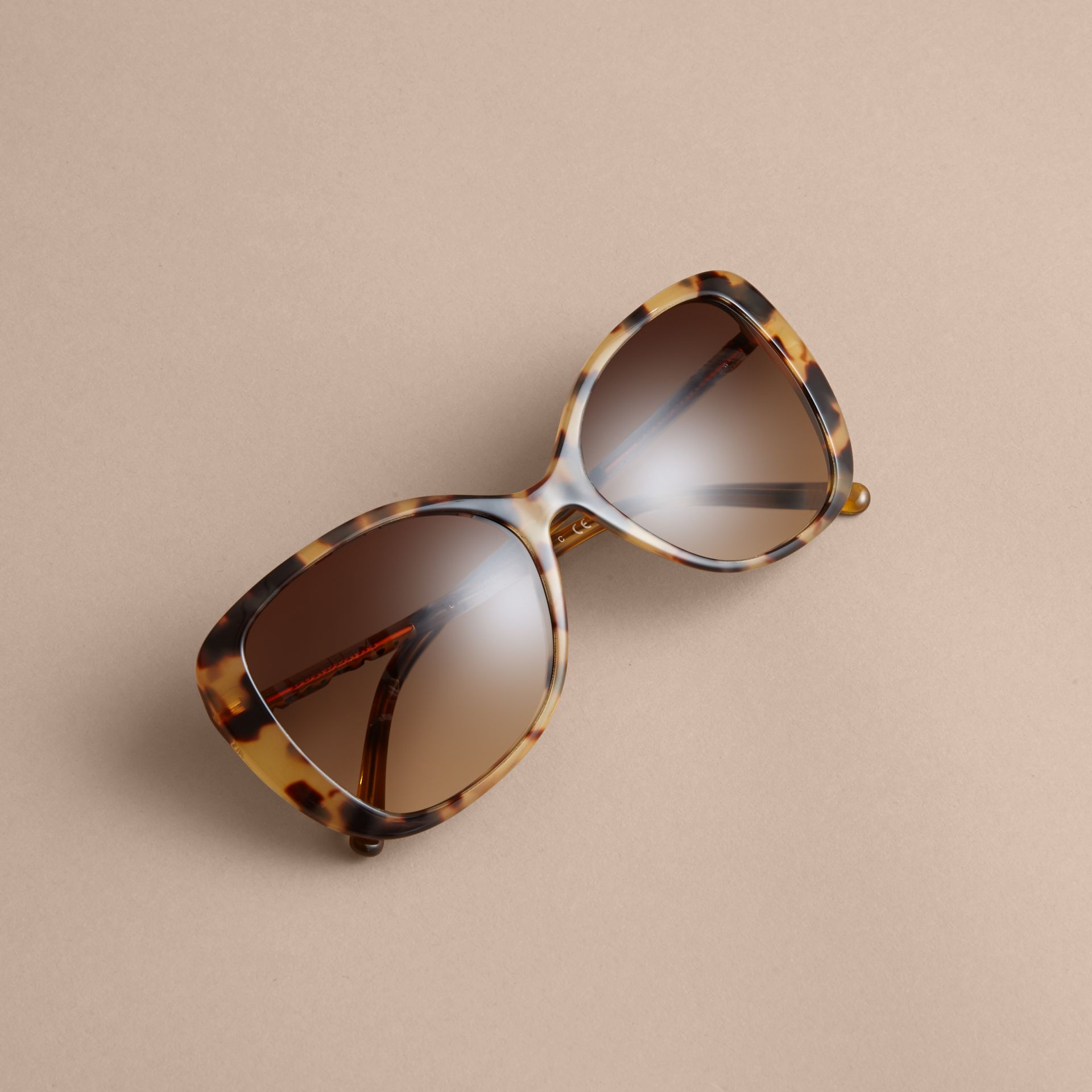 Check Detail Butterfly Frame Sunglasses Umber Yellow - gallery image 3