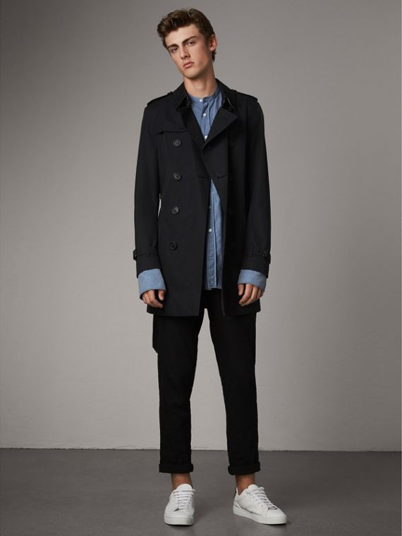 The Chelsea – Short Heritage Trench Coat in Navy