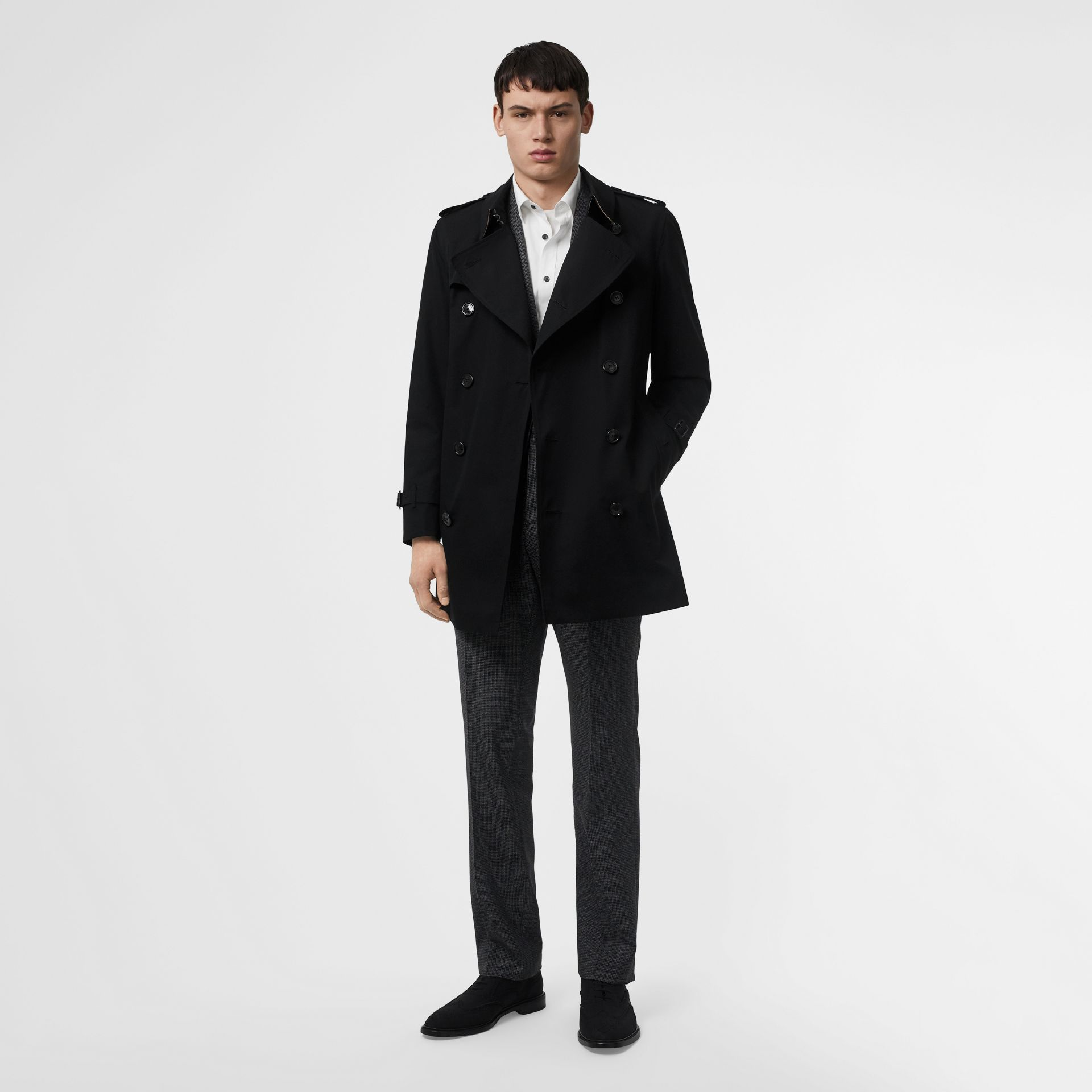 Short Chelsea Fit Trench Coat in Black - Men | Burberry Hong Kong S.A.R - gallery image 7