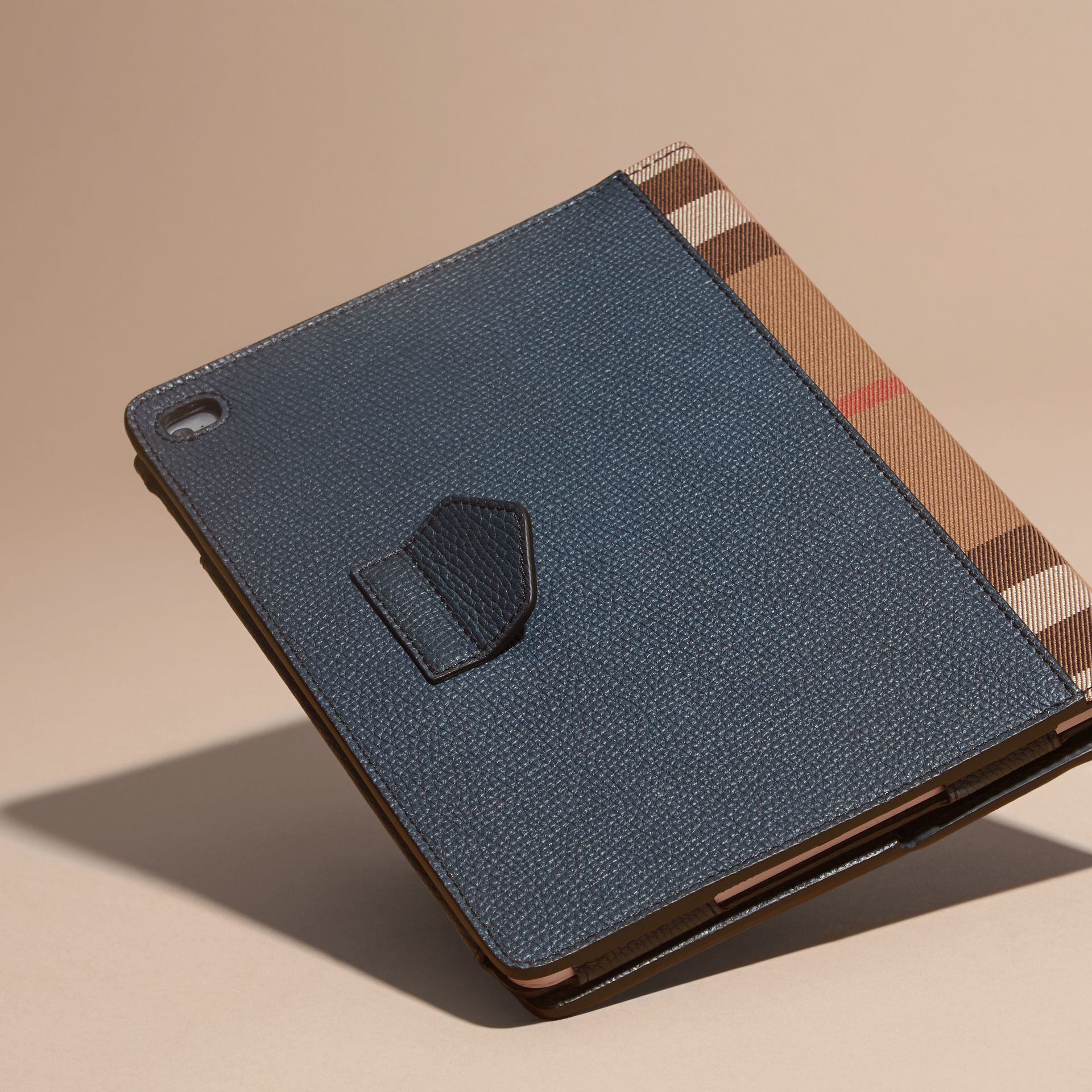 Storm blue Grainy Leather and House Check iPad Case Storm Blue - gallery image 4
