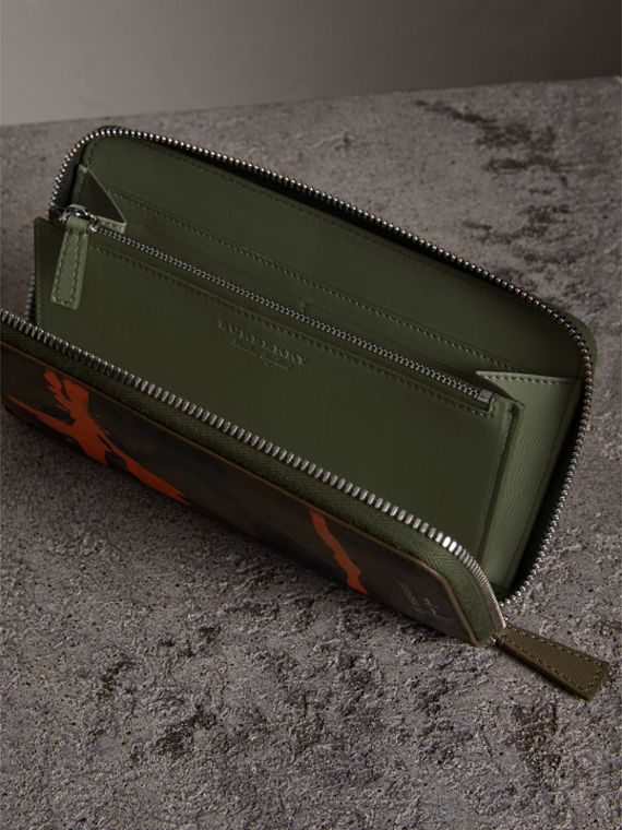 Splash Trench Leather Ziparound Wallet in Slate Green/splash - Men | Burberry Australia - cell image 3