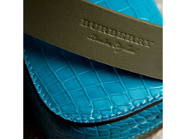 The Satchel con tasca in pelle di alligatore (Blu Alzavola Scuro) | Burberry - cell image 1