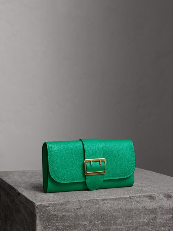 Textured Leather Continental Wallet in Bright Pigment Green - Women | Burberry