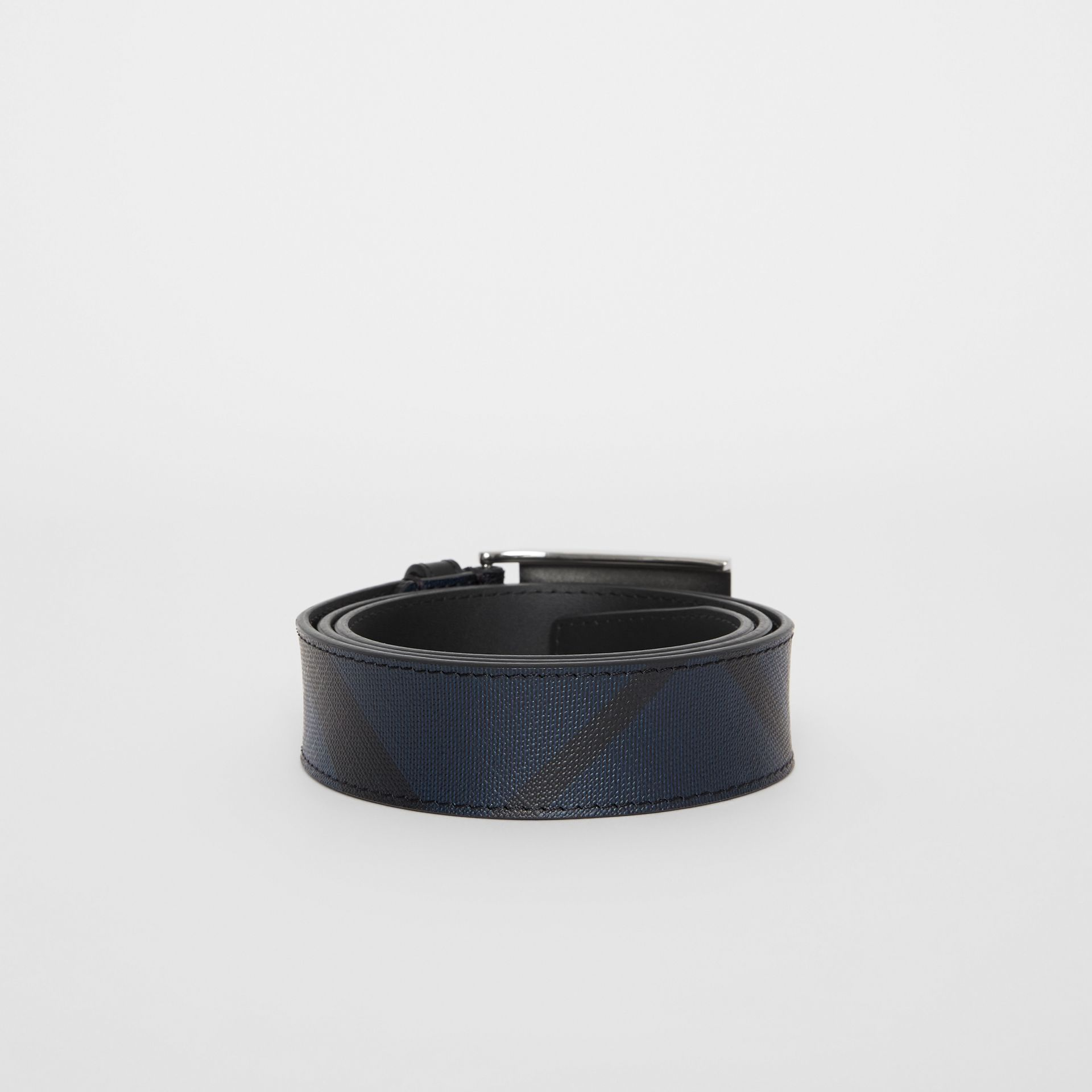 Plaque Buckle London Check and Leather Belt in Navy/black - Men | Burberry Singapore - gallery image 4
