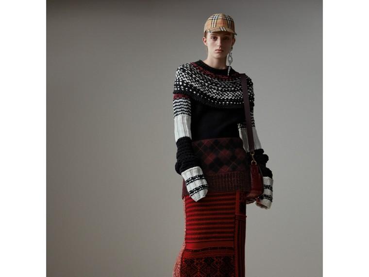 Strickrock aus Wolle und Kaschmir mit Zopf- und geometrischen Mustern (Rot/schwarz) - Damen | Burberry - cell image 4