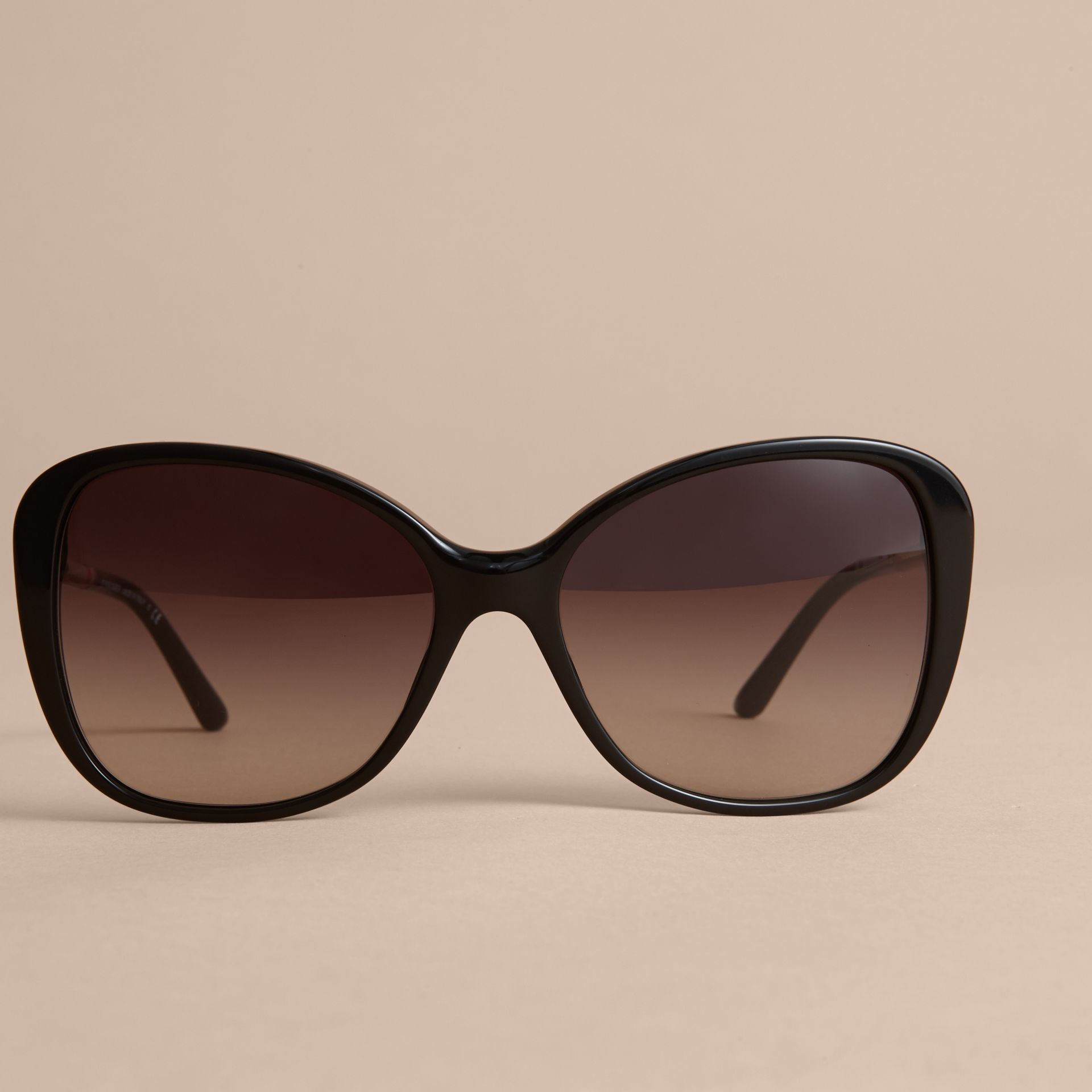 Check Detail Butterfly Frame Sunglasses Black - gallery image 3
