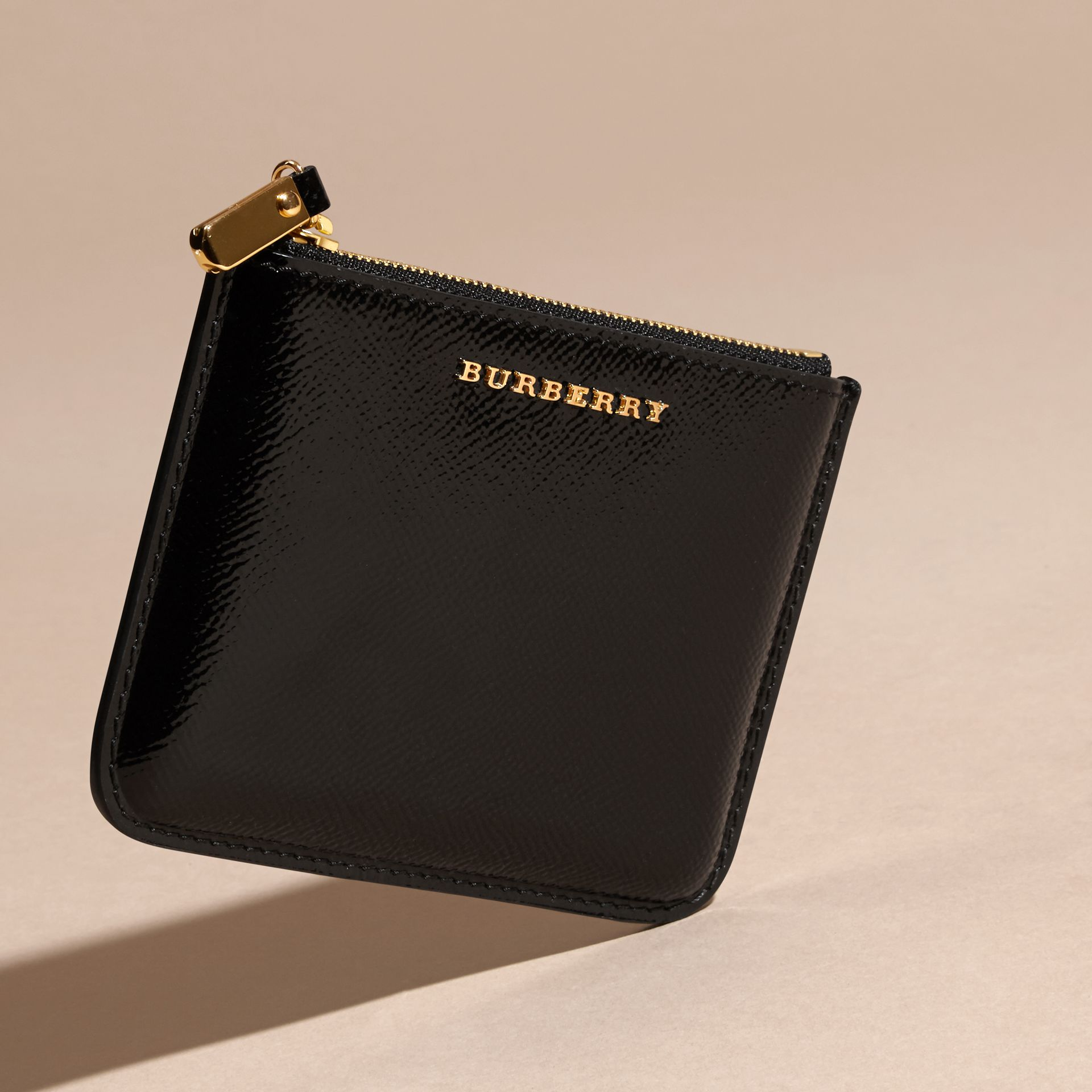 Pochette en cuir London verni - Femme | Burberry - photo de la galerie 3