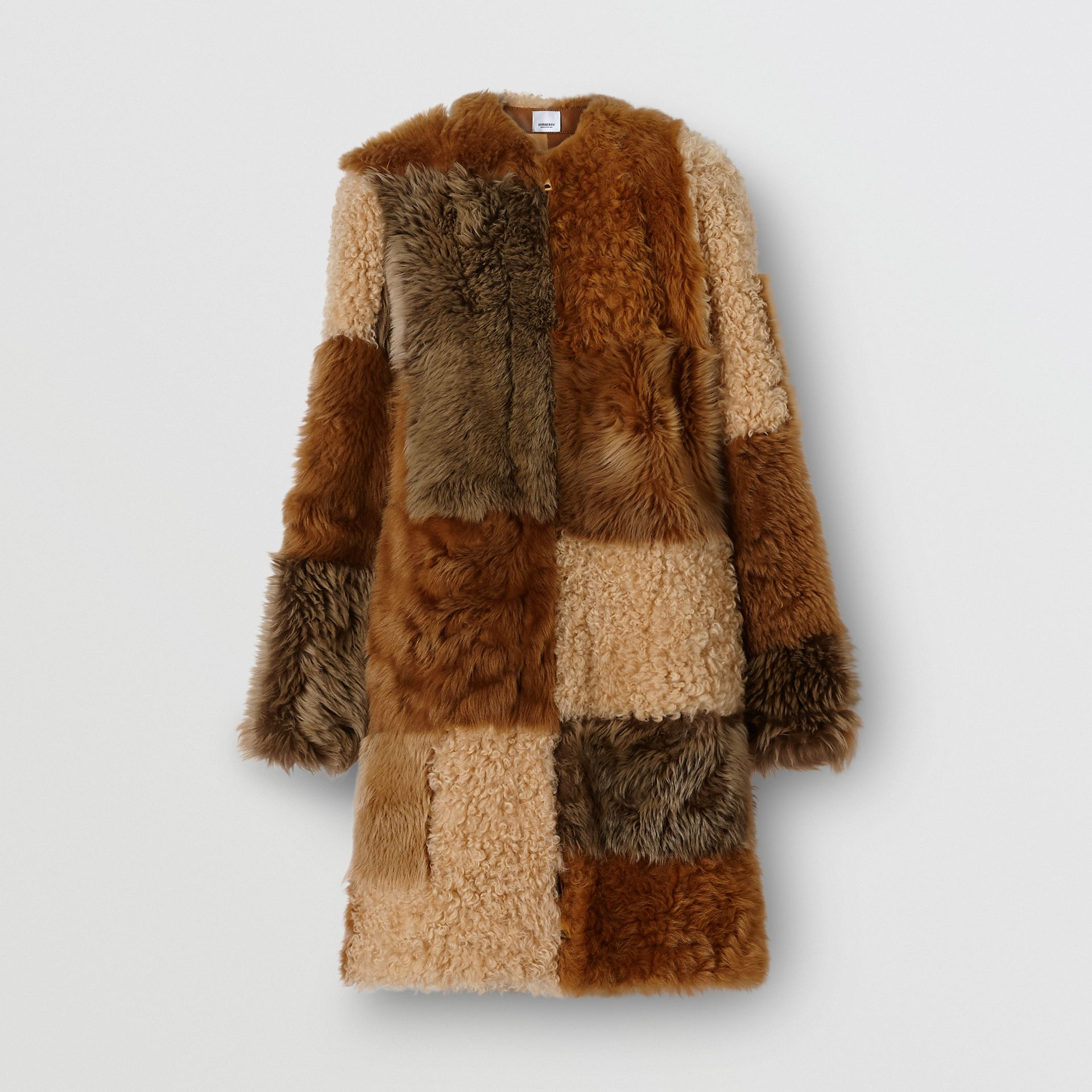 Manteau en shearling avec patchwork (Toffee) - Femme | Burberry - photo de la galerie 4