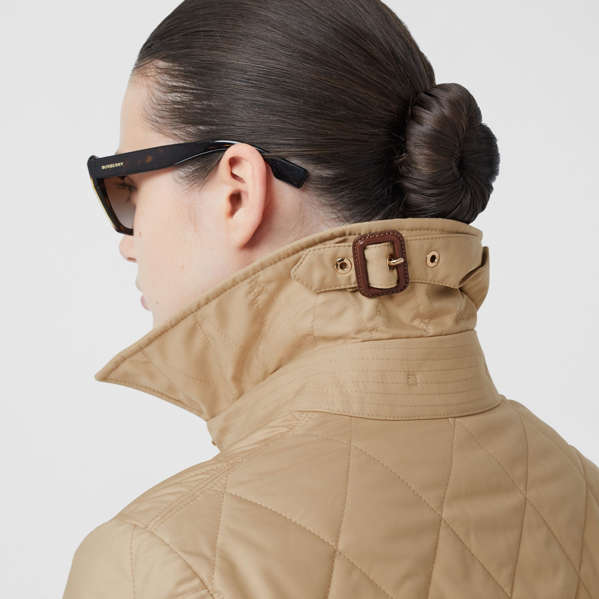 Diamond Quilted Thermoregulated Jacket in New Chino - Women | Burberry Hong Kong S.A.R - gallery image 4