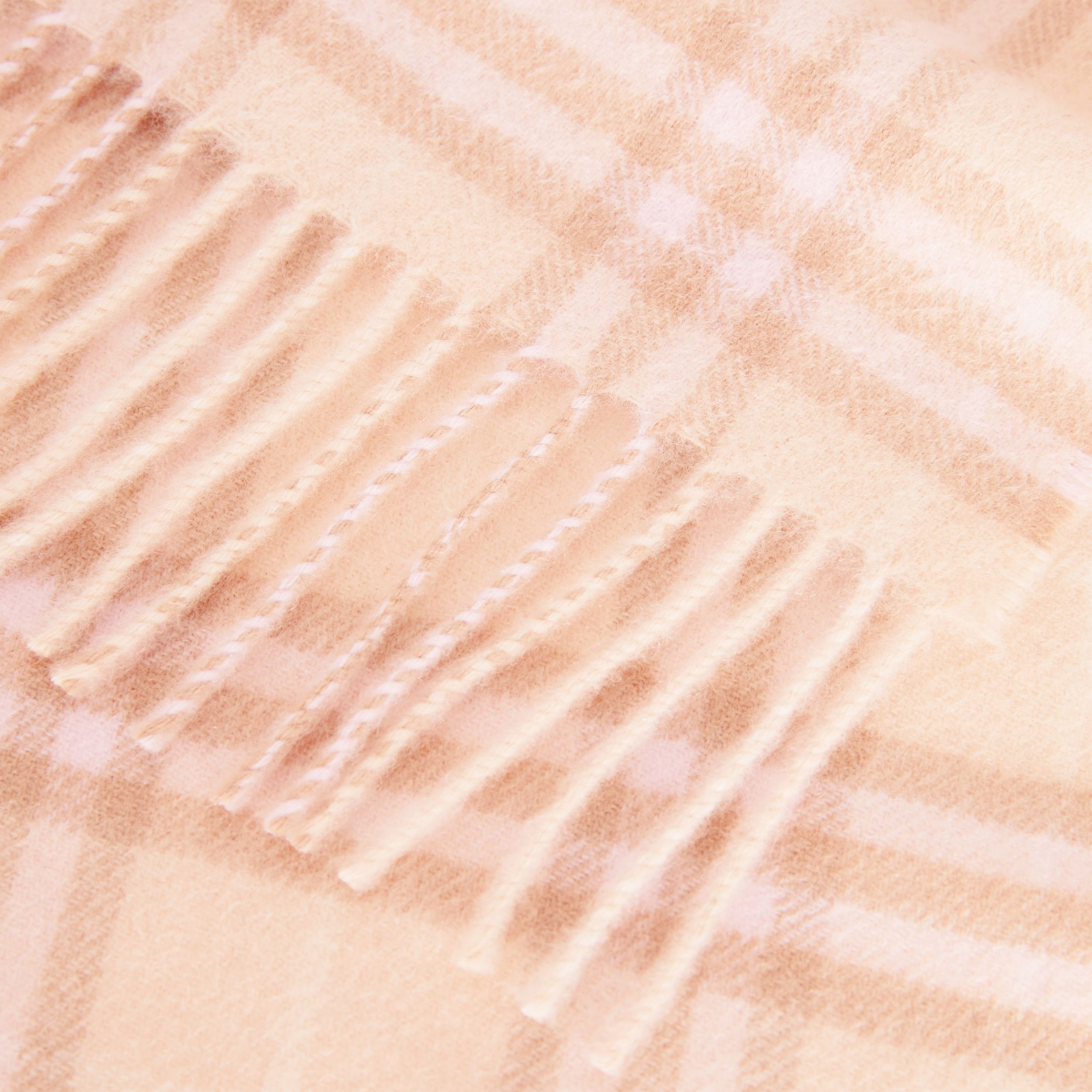 The Mini Classic Vintage Check Cashmere Scarf in Dusty Pink - Children | Burberry - 2