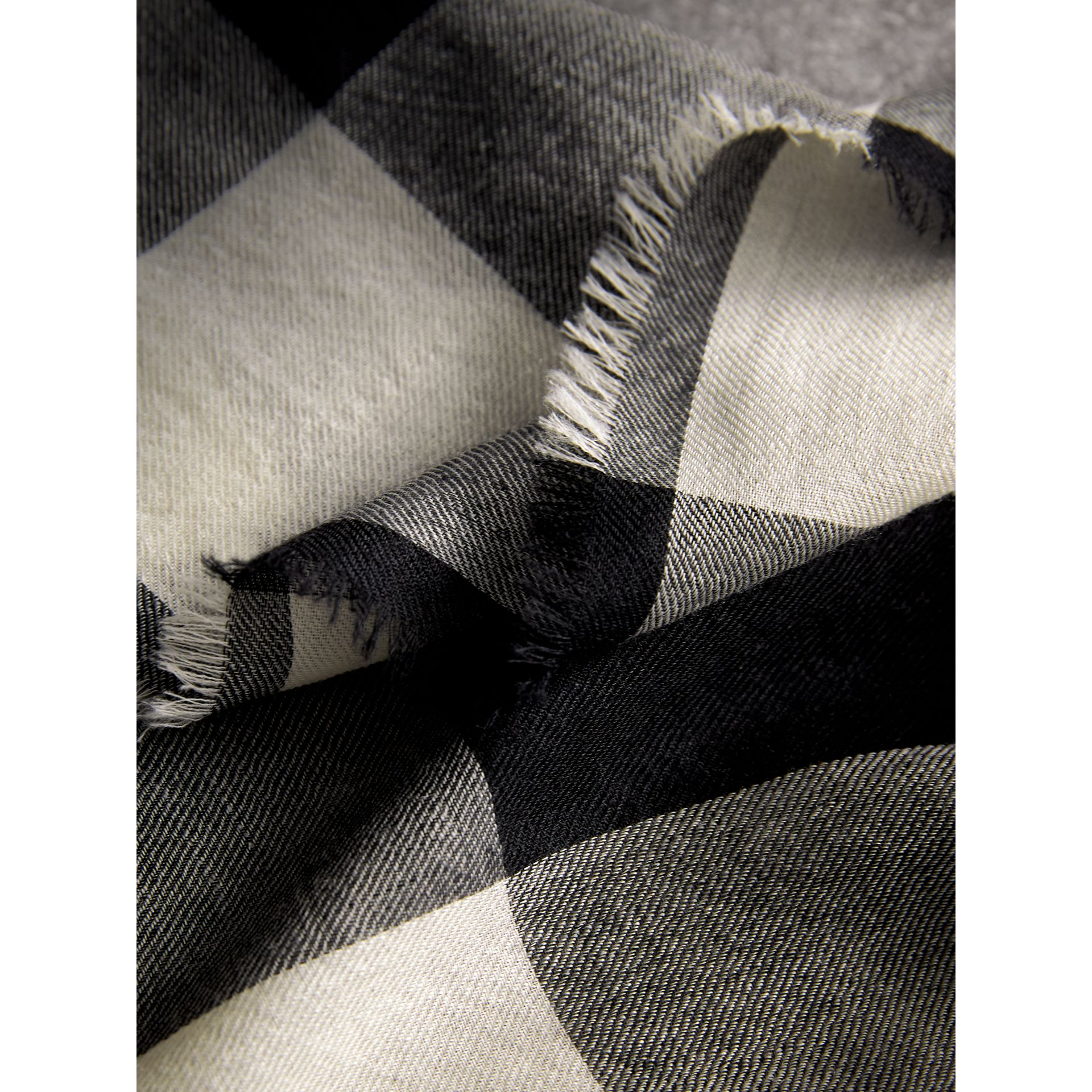 Lightweight Check Cashmere Scarf in Black | Burberry - gallery image 2