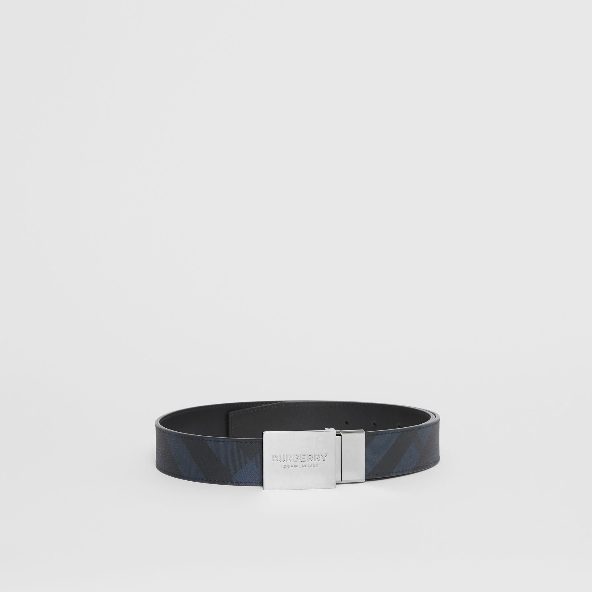 Reversible Plaque Buckle London Check Belt in Navy/black - Men | Burberry - gallery image 2