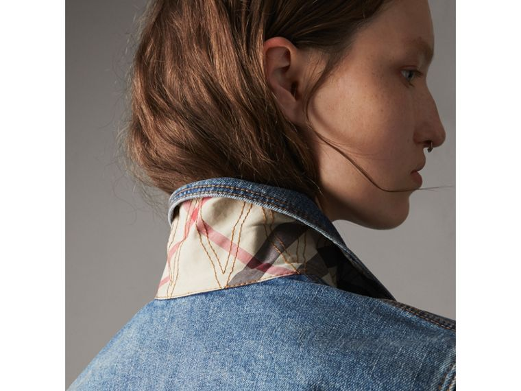Check Detail Denim Jacket in Light Indigo - Women | Burberry Hong Kong - cell image 4