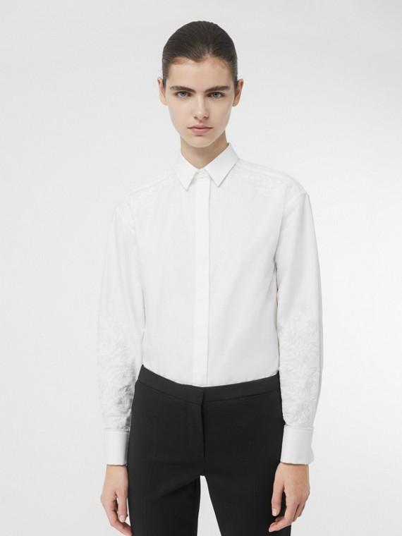 Camisa social de algodão com bordado floral (Branco)