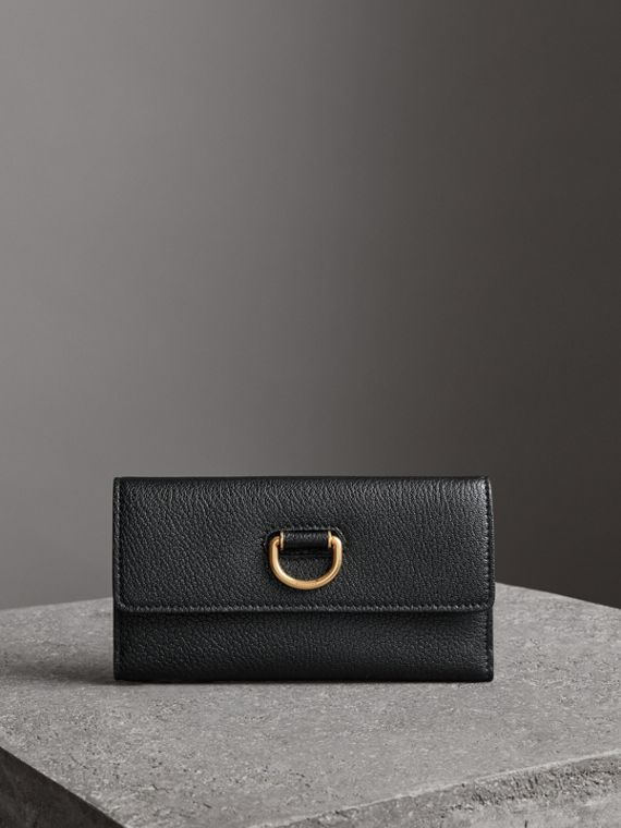D-ring Grainy Leather Continental Wallet in Black