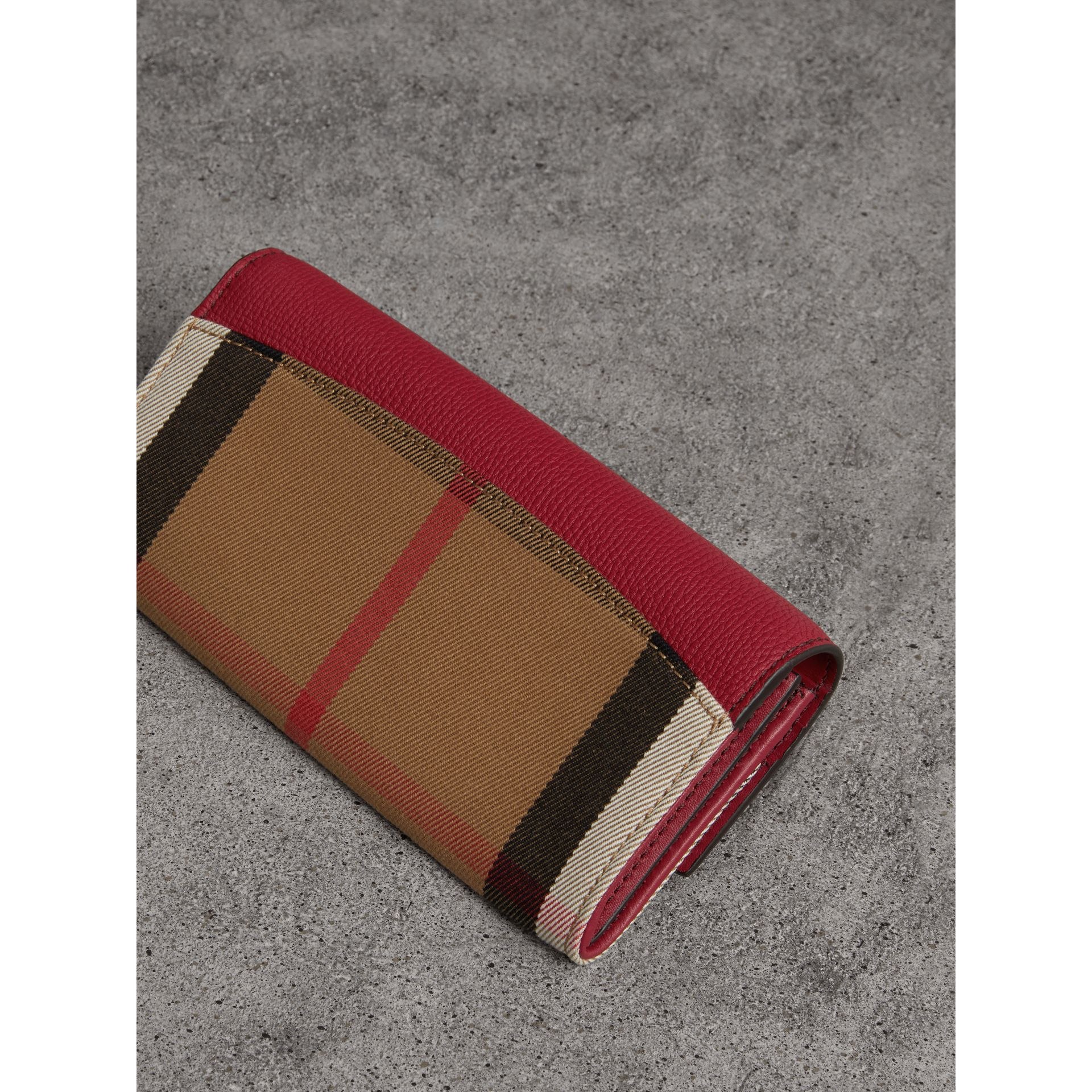 House Check And Leather Continental Wallet in Military Red - Women | Burberry - gallery image 3